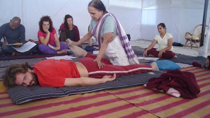 yoga massagem ayurvedica kusum modak (1)